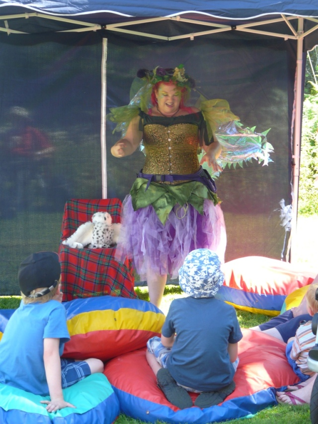 Fairy Thisle, telling the sad tale of being thrown out of Fairyland for putting a spell on King Futtret-face's underpants....