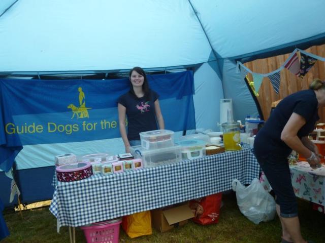 The tea tent. Mmmmmmm. Affa fine cakes!
